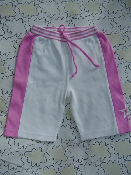3 лв: бонбонски къси панталонки (6-12 мес?) piskuni_aaaa_005.jpg Big