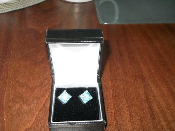 Сребърни Обеци с камъчета, които променят цвета си bibi5_20004053_2_800x600.jpg Big