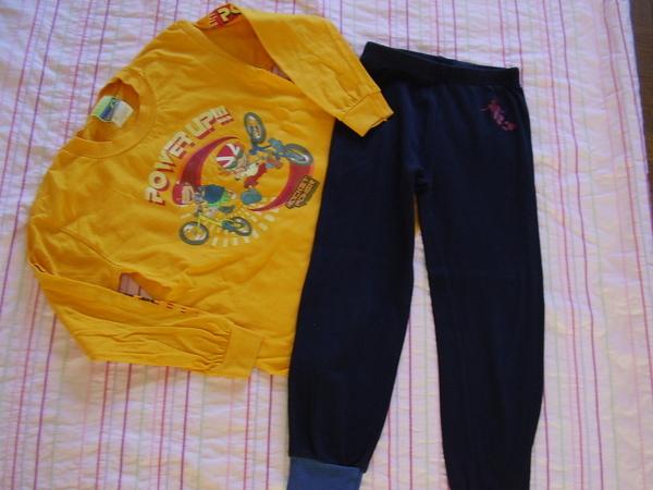 3 лв: пижамка 5-6 години piskuni_bbpizhama_001.jpg Big