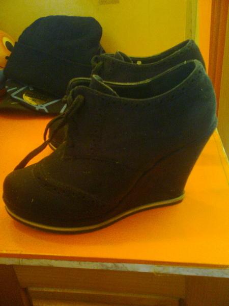 Велурени обувки на платформа 17011.jpg Big