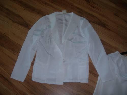 Страхотен бял летен костюм на фирма PETRA DSCN8712.JPG Big